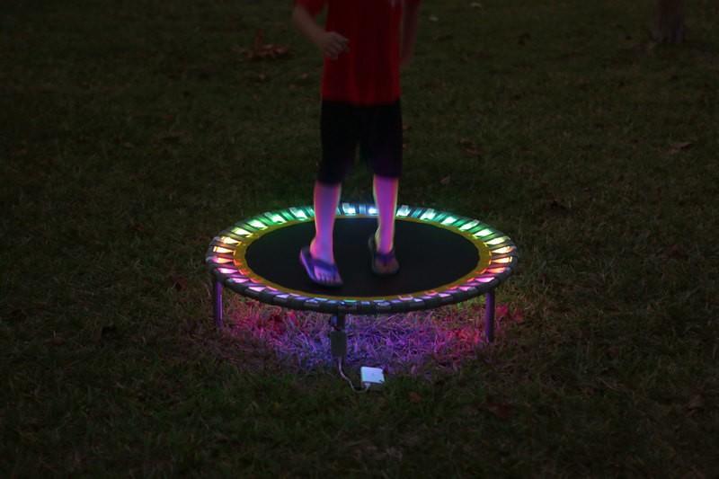 LED蹦床