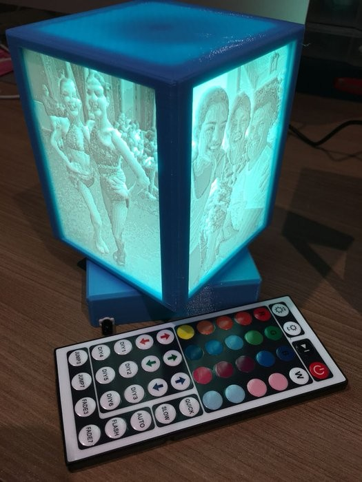 旋转浮雕照片灯箱