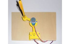 微型作画机器人