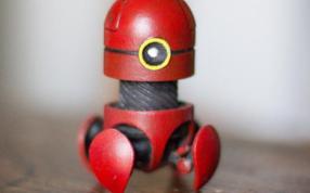 桌面玩具机器人